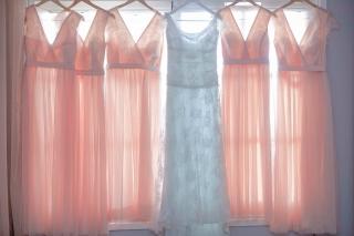 булчинска рокля в бледо синьо, шаферски рокли, декорация на сватбена агенция Приказен ден, сватбен агент Мариела Уилсън