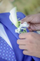 бутониера за младоженец, цвете на ревера за младоженеца, аксесоар за младоженеца, декорация на сватбена агенция Приказен ден, сватбен агент Мариела Уилсън