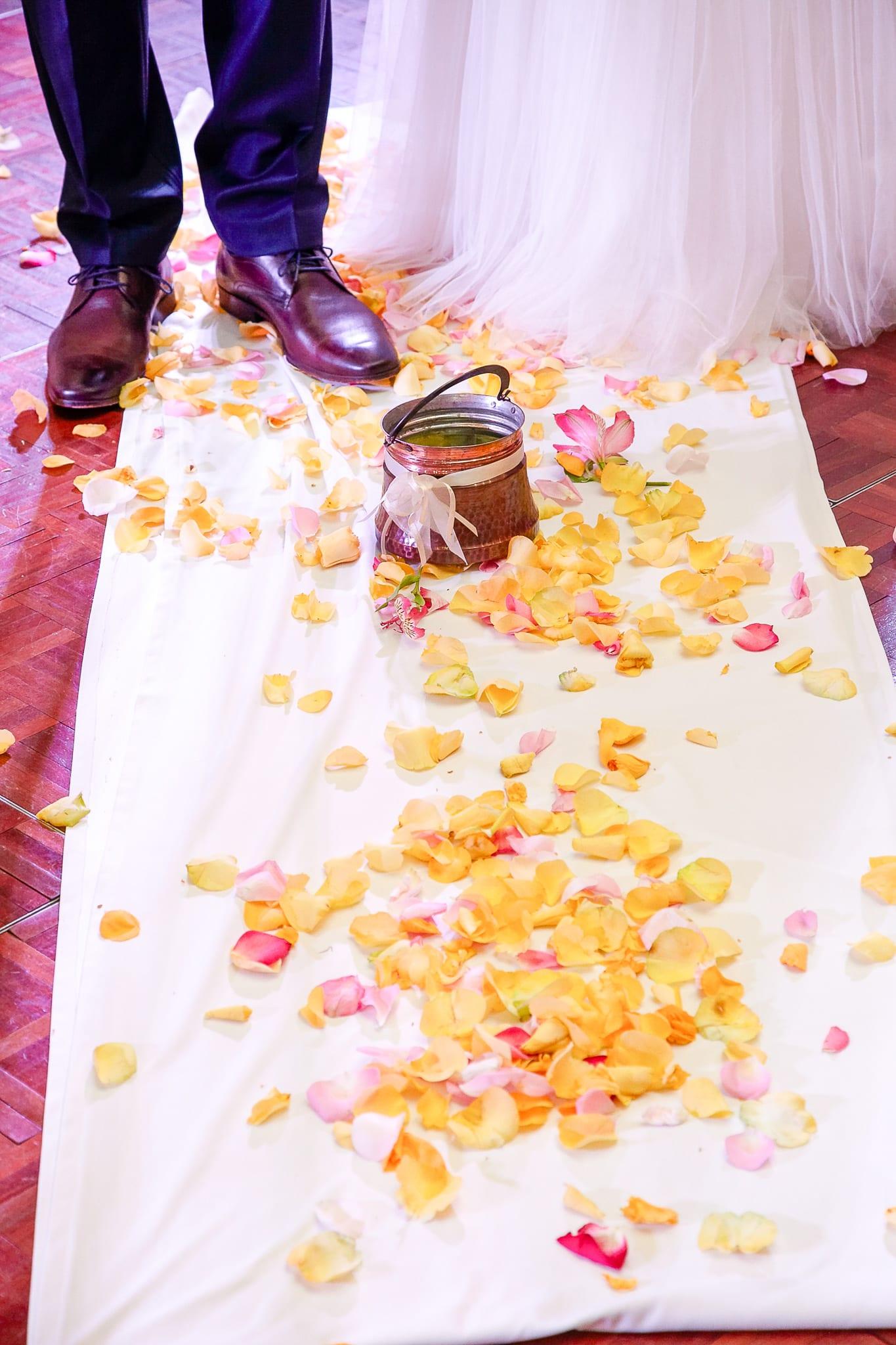 български сватбени традиции, менче за сватбена церемония по посрещане на младоженците в ресторанта, декорация на сватбена агенция Приказен ден, сватбен агент Мариела Уилсън