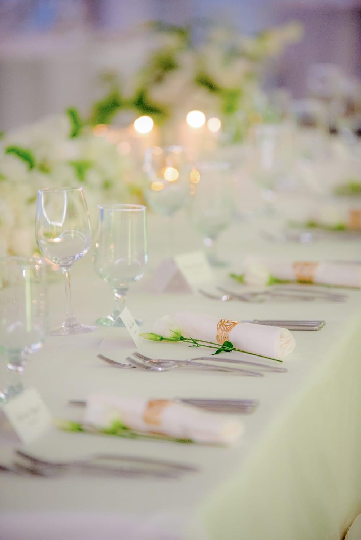 бяло златна сватба, златни елементи за сватба, декорация на сватбена агенция Приказен ден, сватбен агент Мариела Уилсън