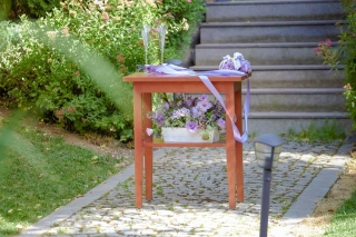гражданска церемония в градина хотел Мейсън София,, декорация на сватбена агенция Приказен ден, сватбен агент Мариела Уилсън