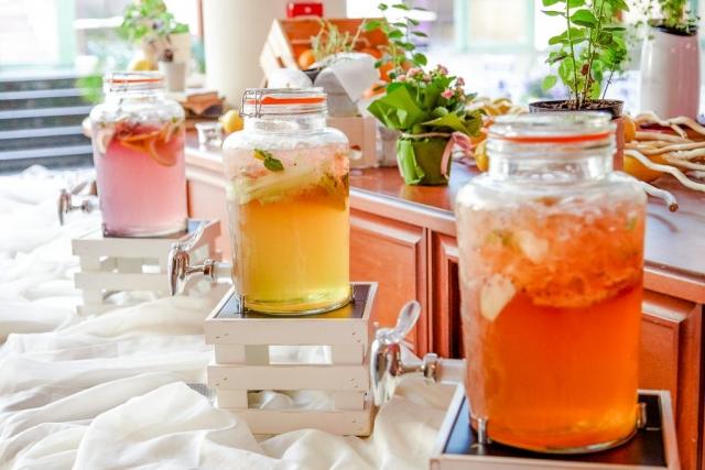 домашна лимонада за сватба, декорация на сватбена агенция Приказен ден, сватбен агент Мариела Уилсън