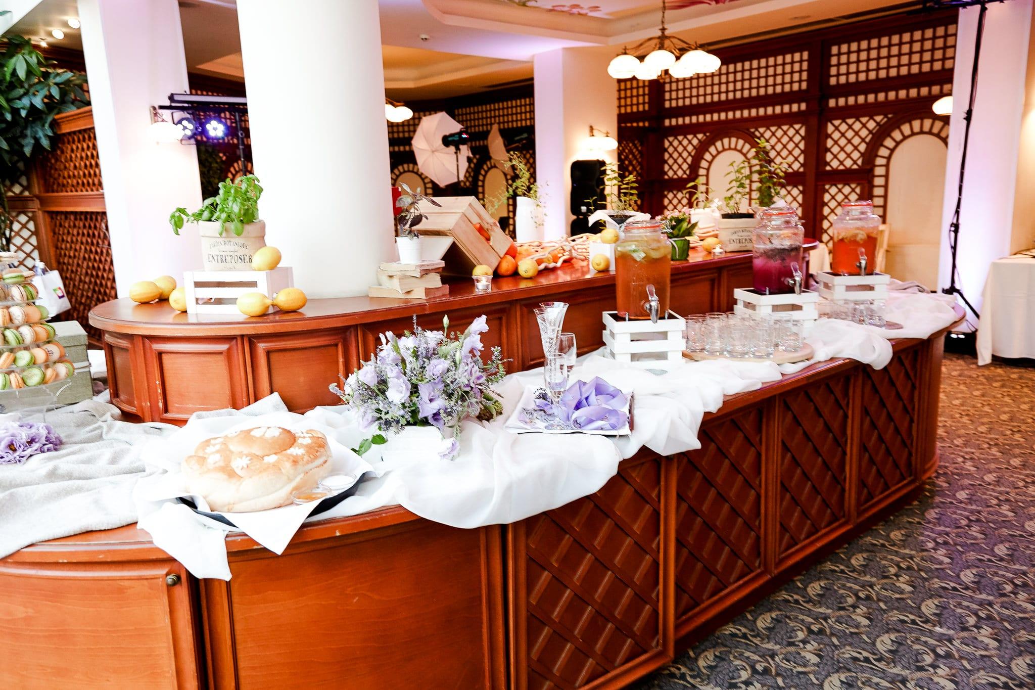 домашна лимонада за сватбен бюфет, декорация на сватбена агенция Приказен ден, сватбен агент Мариела Уилсън
