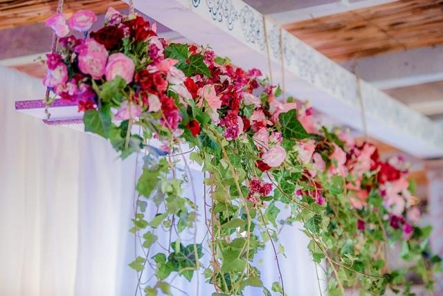 елегантни сватбени акценти, декорация от цветя, сватбена украса с цветя, декорация на сватбена агенция Приказен ден, сватбен агент Мариела Уилсън