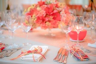 идеи за сватбена украса, сватбена декорация в портокалов и жълт цвят, декорация на сватбена агенция Приказен ден, сватбен агент Мариела Уилсън