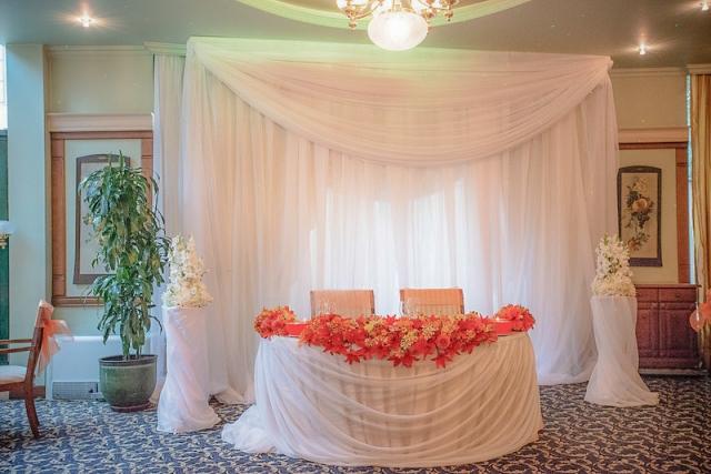 официална маса за младоженци, декорация на сватбена агенция Приказен ден, сватбен агент Мариела Уилсън