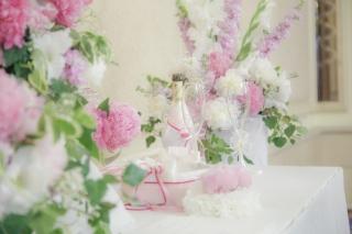 розови божури на сватба, гражданска церемония в хотел Балкан Шератън София, декорация на сватбена агенция Приказен ден, сватбен агент Мариела Уилсън