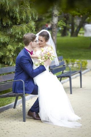 сватба в хотел Хилтон София, пролетна сватба в хотел Хилтън, София, декорация на сватбена агенция Приказен ден, сватбен агент Мариела Уилсън