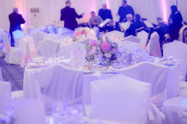 сватба в хотел Балкан, Шератън София, музикални изпълнители на сватба, декорация на сватбена агенция Приказен ден, сватбен агент Мариела Уилсън
