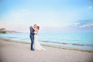 сватба на плажа, сватбена фото сесия на плаж Бендида, Тракийски Скали голф, декорация на сватбена агенция Приказен ден, сватбен агент Мариела Уилсън
