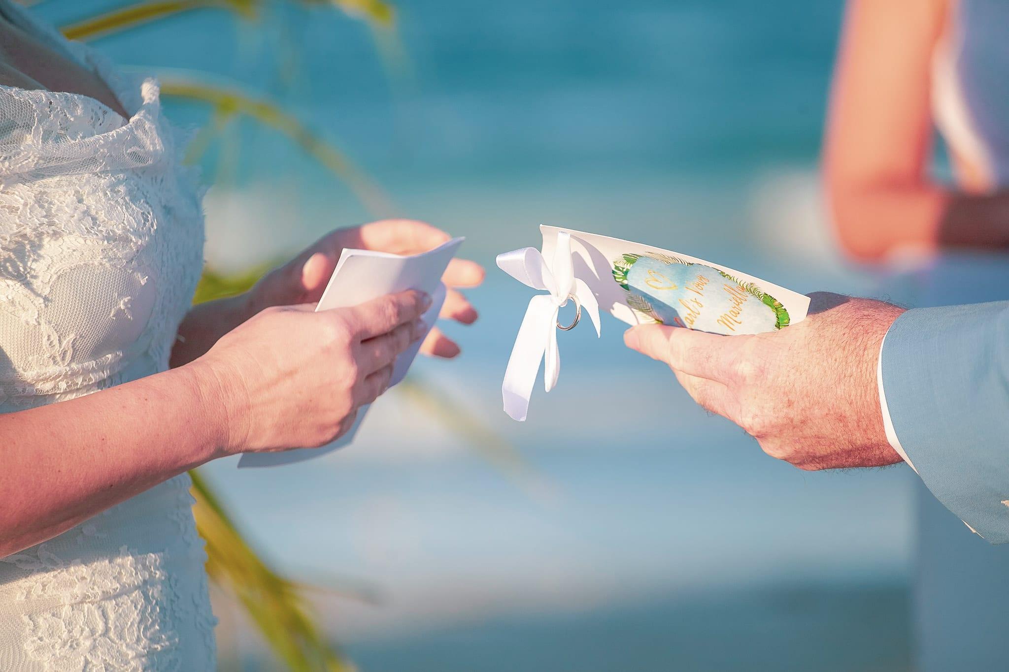 сватбени обещания, декорация на сватбена агенция Приказен ден, сватбен агент Мариела Уилсън