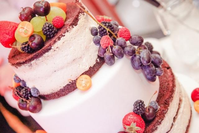 селки стил плодова сватбена торта, декорация на сватбена агенция Приказен ден, сватбен агент Мариела Уилсън