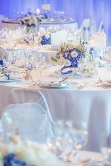 цветя в синьо за сватба, декорация на сватбена агенция Приказен ден, сватбен агент Мариела Уилсън