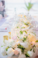 цветя за сватба, бели цветя за сватбена декорация, луксозна украса на сватба, сватба в бяло о злато, декорация на сватбена агенция Приказен ден, сватбен агент Мариела Уилсън