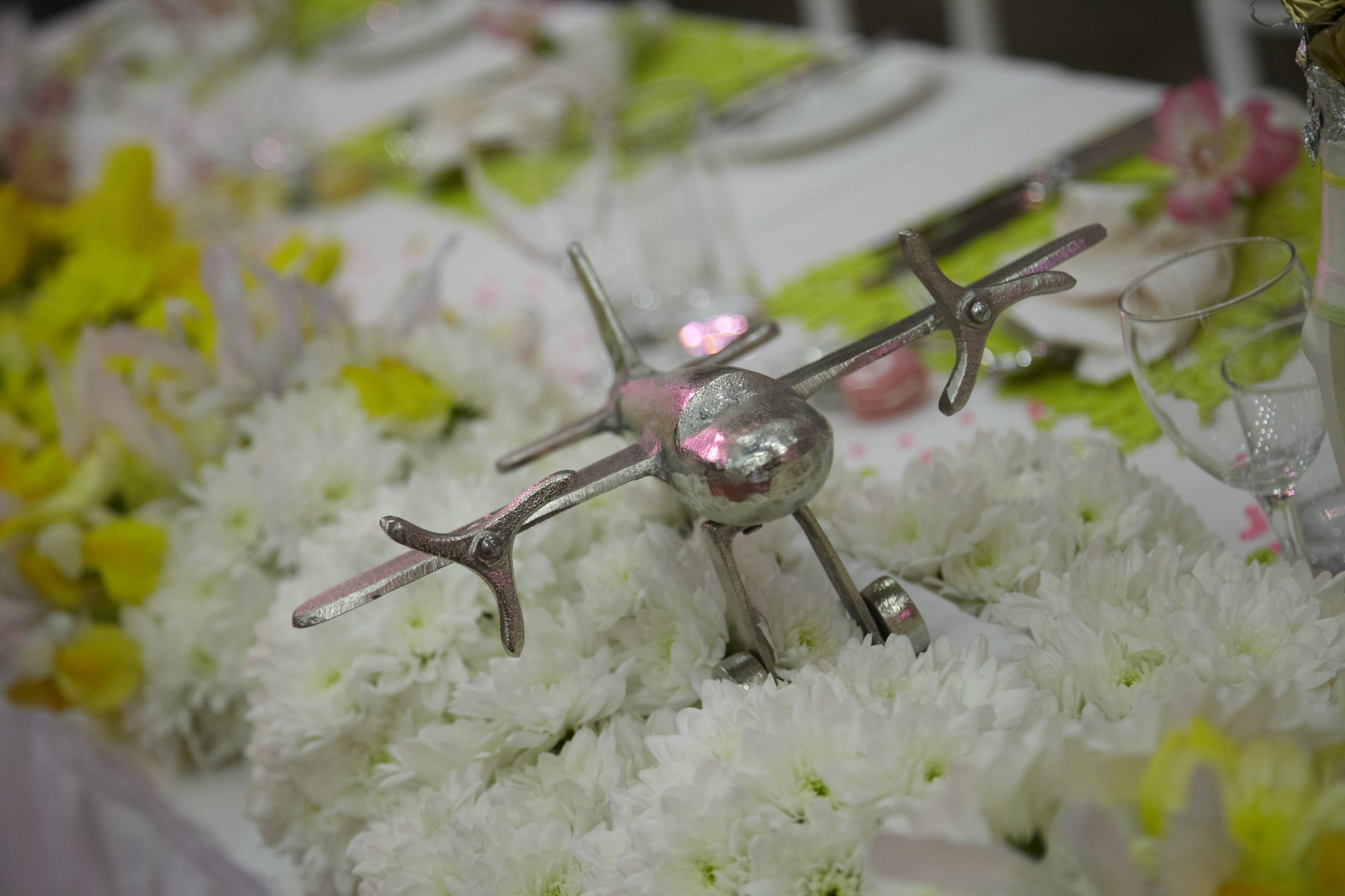 акценти на сватбената маса, деайли на масата за младоженци, декорация на сватбена агенция Приказен ден, сватбен агент Мариела Уилсън