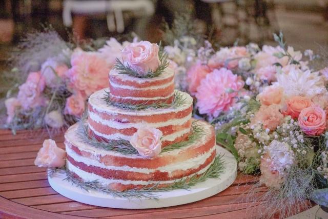 сватбена торта, селска сватбена торта, домашна сватбена торта, декорация на сватбена агенция Приказен ден, сватбен агент Мариела Уилсън