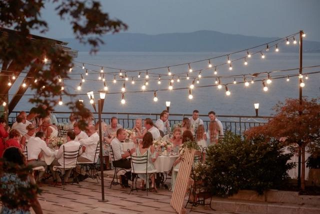 романтични светлини на сватба, лампички за сватба, декоративно осветление за сватба, декорация на сватбена агенция Приказен ден, сватбен агент Мариела Уилсън