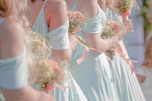 шаферски рокли, шаферски букети, ролята на шаферките по време на сватба, декорация на сватбена агенция Приказен ден, сватбен агент Мариела Уилсън