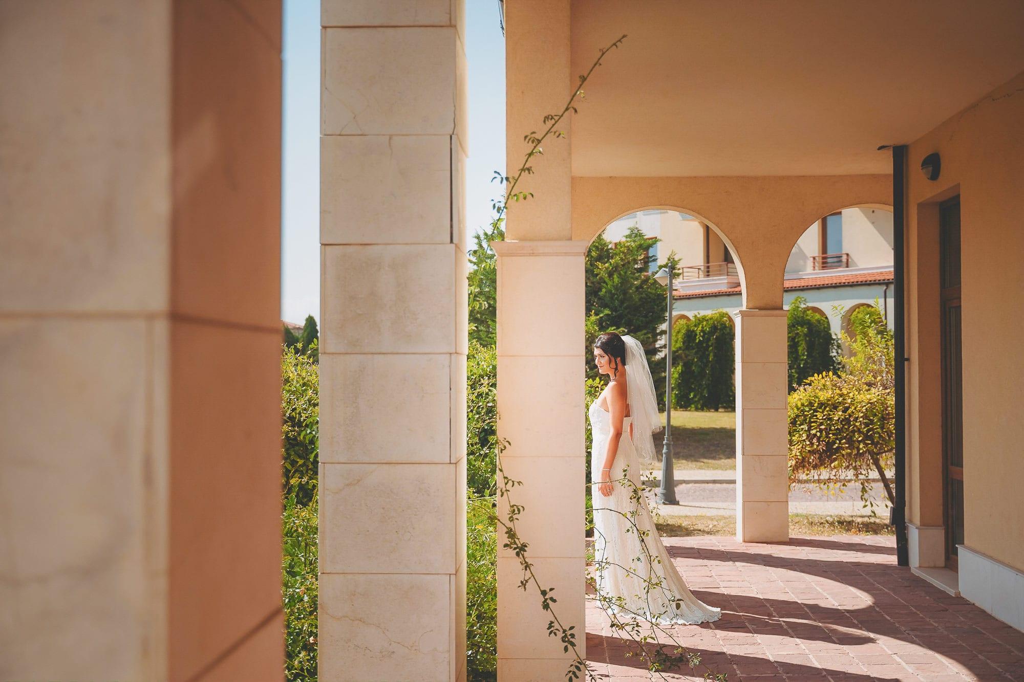 Булката в очакване на сватбената церемония