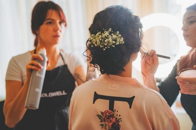 Подготовка на булката, сватбен грин, сватбена прическа