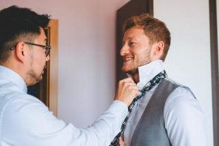 Младоженеца с кума, приготовления на младоженеца